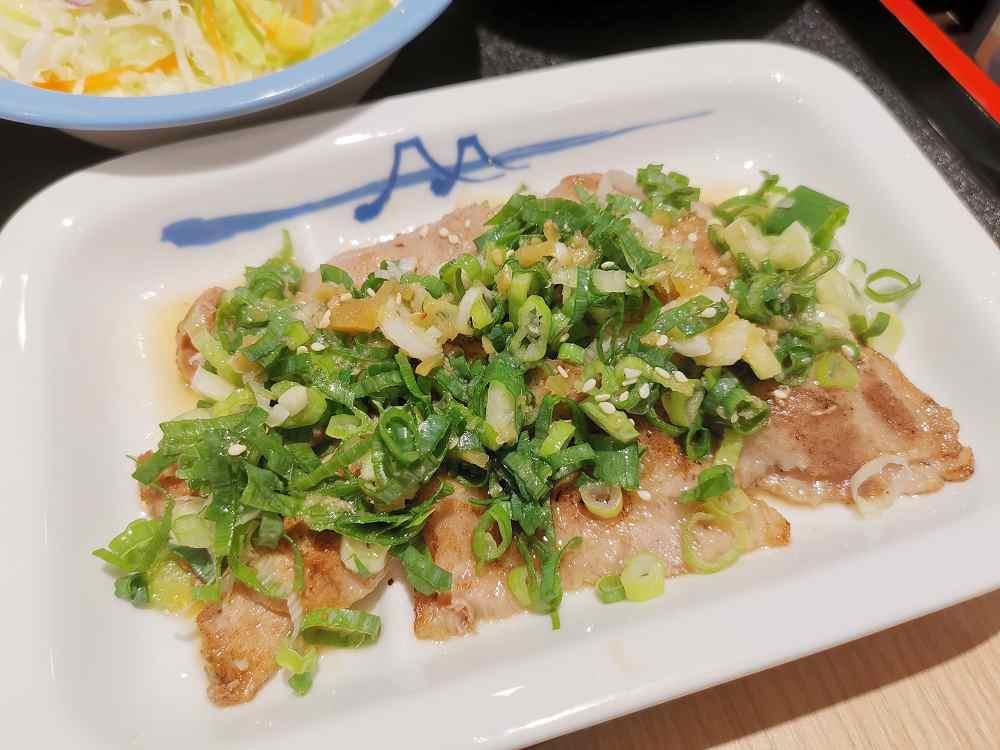 松屋,台灣三號店,蔥香鹽梅花豬肉真的很美味啊! @我眼睛所看見的世界(Fly's Blog)