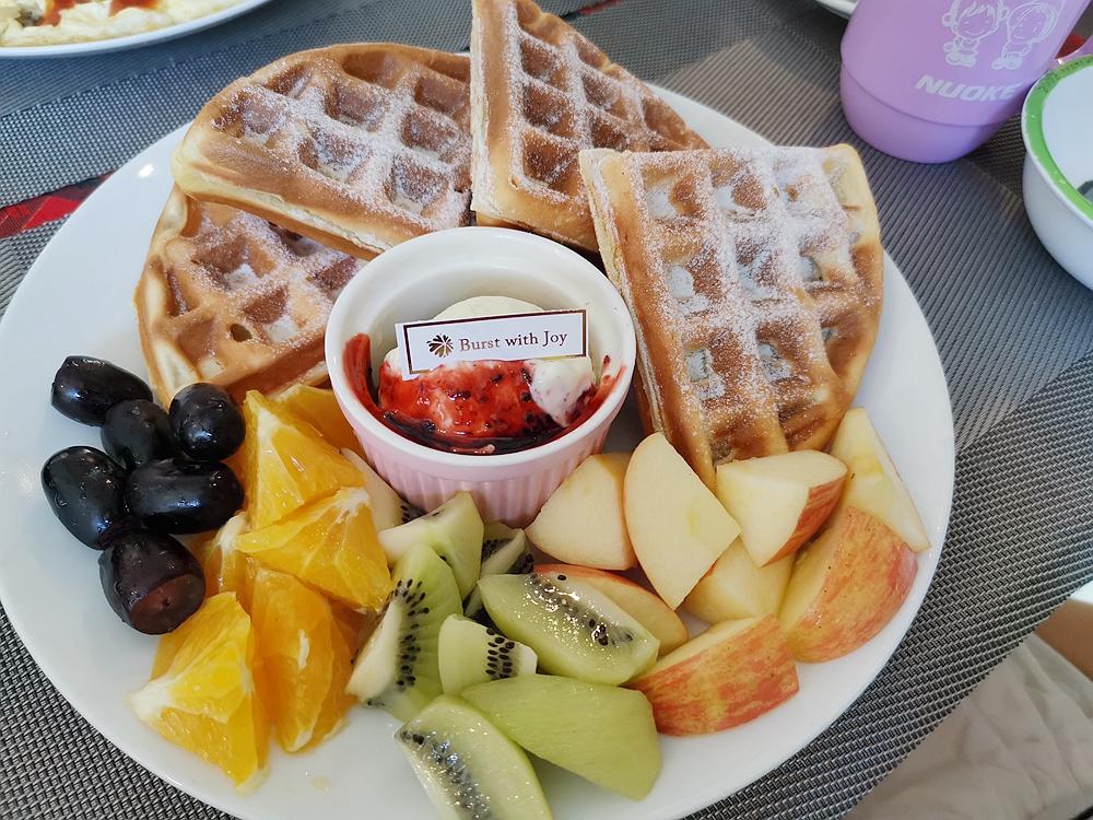 找餐店,吃早餐跟消夜都有的找餐店,用餐環境舒適 @我眼睛所看見的世界(Fly's Blog)