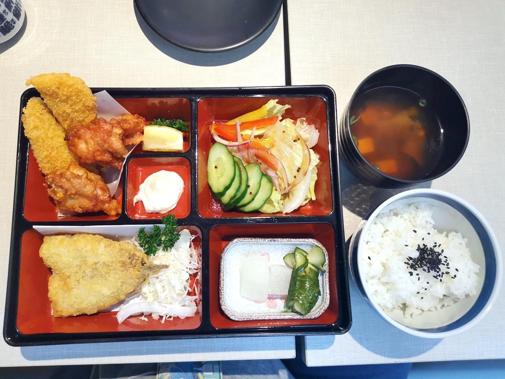 COURONNE慶典禮盒,喜餅的新選擇(達克瓦茲徹底征服我了!!)(試吃) @我眼睛所看見的世界(Fly's Blog)