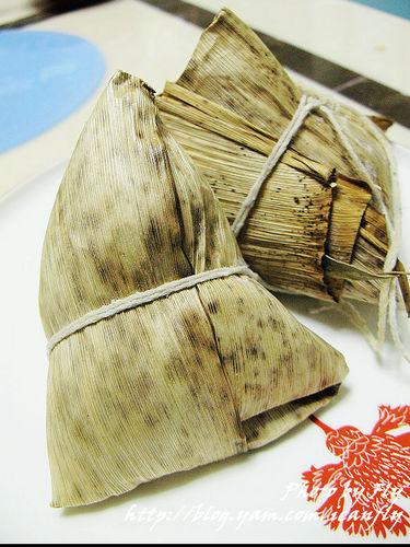 【就是愛吃】新東陽嚴選培根黑豬肉粽《試吃》 @我眼睛所看見的世界(Fly's Blog)