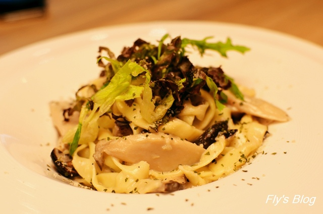 Calfit Cafe,卡菲特的暖沙拉、手工自製的義大利麵,好好吃唷~ @我眼睛所看見的世界(Fly's Blog)
