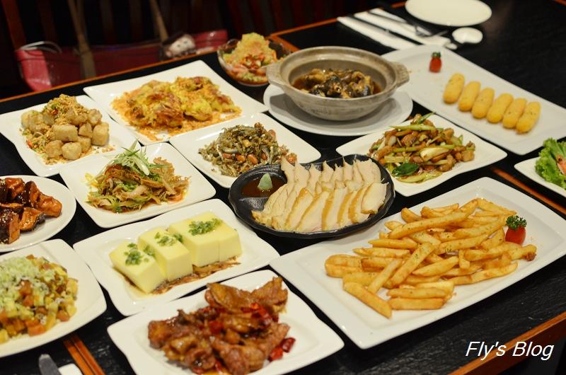 華國飯店的深夜食堂,美食加上現場演唱,氣氛滿點!(長虹酒吧) @我眼睛所看見的世界(Fly's Blog)