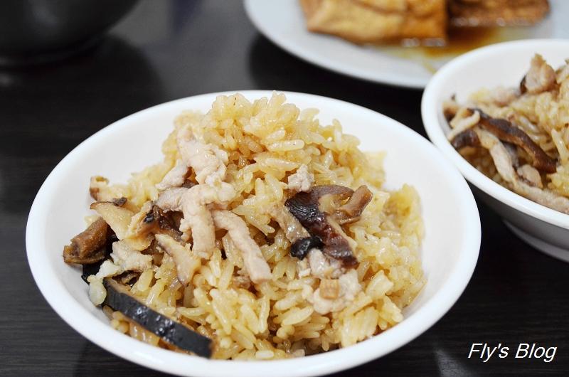 邱家油飯肉羹,外地吃不到的傳統清湯肉羹、麻油油飯 @我眼睛所看見的世界(Fly's Blog)