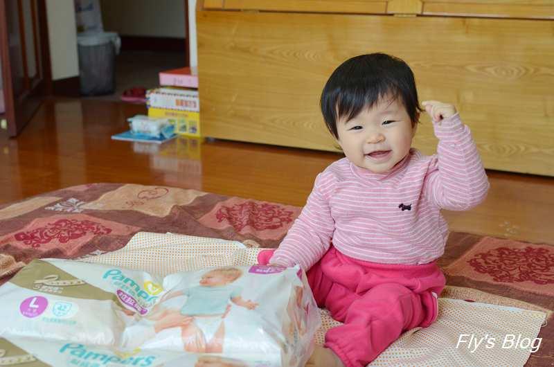 幫寶適日本原裝進口特級棉柔拉拉褲,讓媽媽達成三秒鐘穿好尿褲的成就!!! @我眼睛所看見的世界(Fly's Blog)