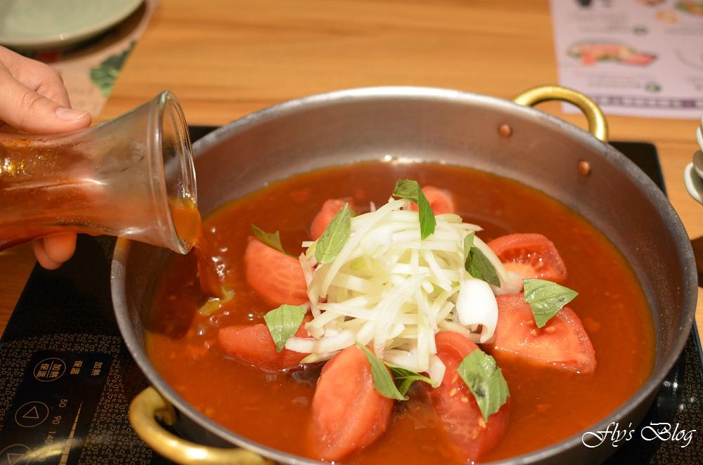 Mo-Mo Paradise 春夏限定番茄壽喜燒吃到飽,超級好吃,搭配豬肉簡直絕配啊! @我眼睛所看見的世界(Fly's Blog)