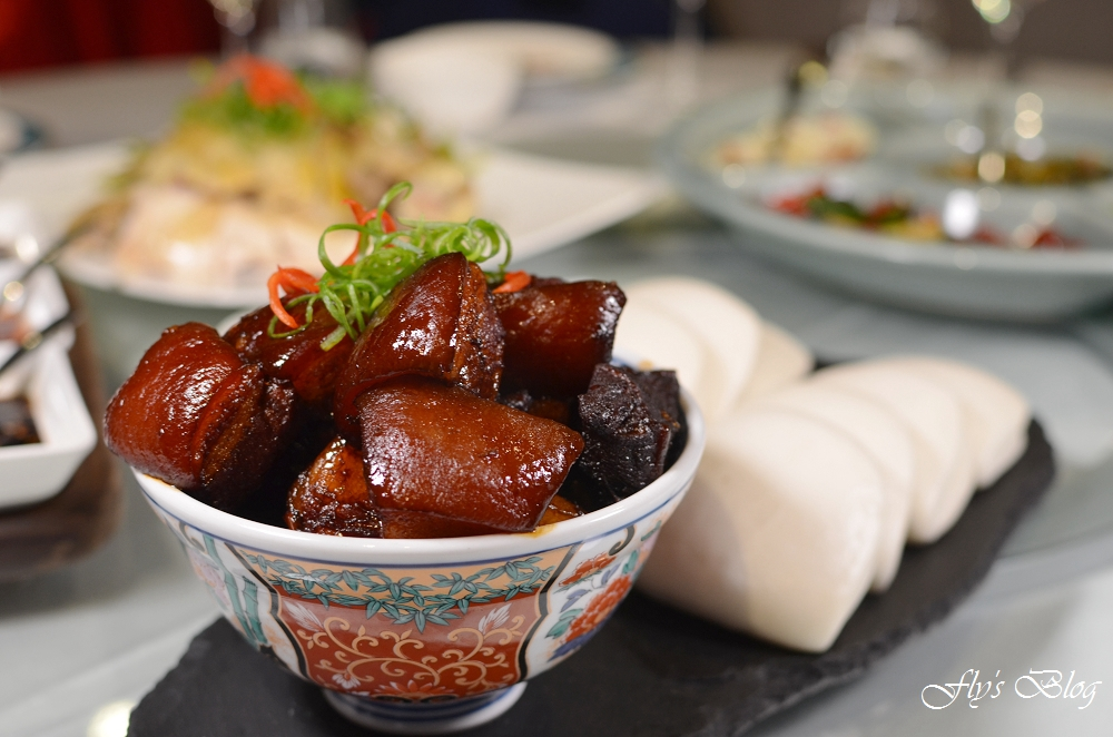 南村私廚 小酒棧,好吃的眷村菜,特推干鍋土豆、清蒸臭豆腐與金沙裹大蝦,好吃到吮指! @我眼睛所看見的世界(Fly's Blog)
