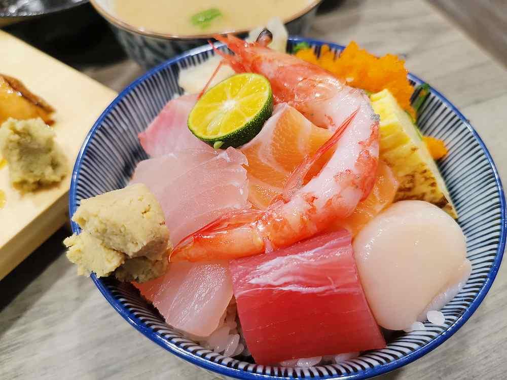 漁之誘日本料理,海鮮丼飯、壽司、生魚片,近板橋林家花園 @我眼睛所看見的世界(Fly's Blog)