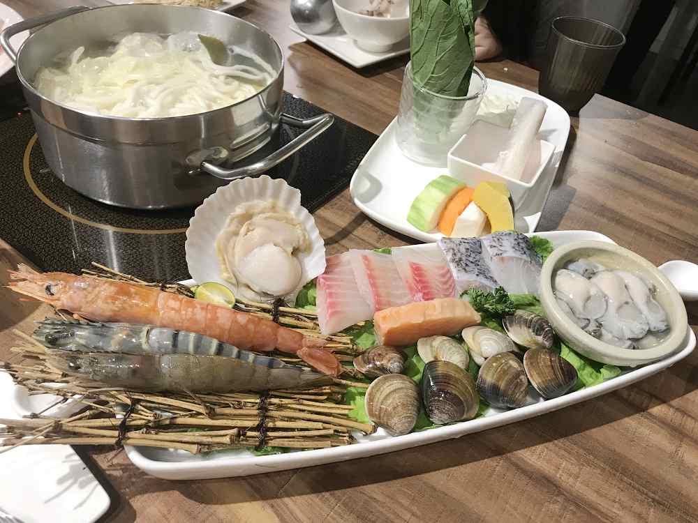 遠芳火鍋,食材相當用心的店家 @我眼睛所看見的世界(Fly's Blog)
