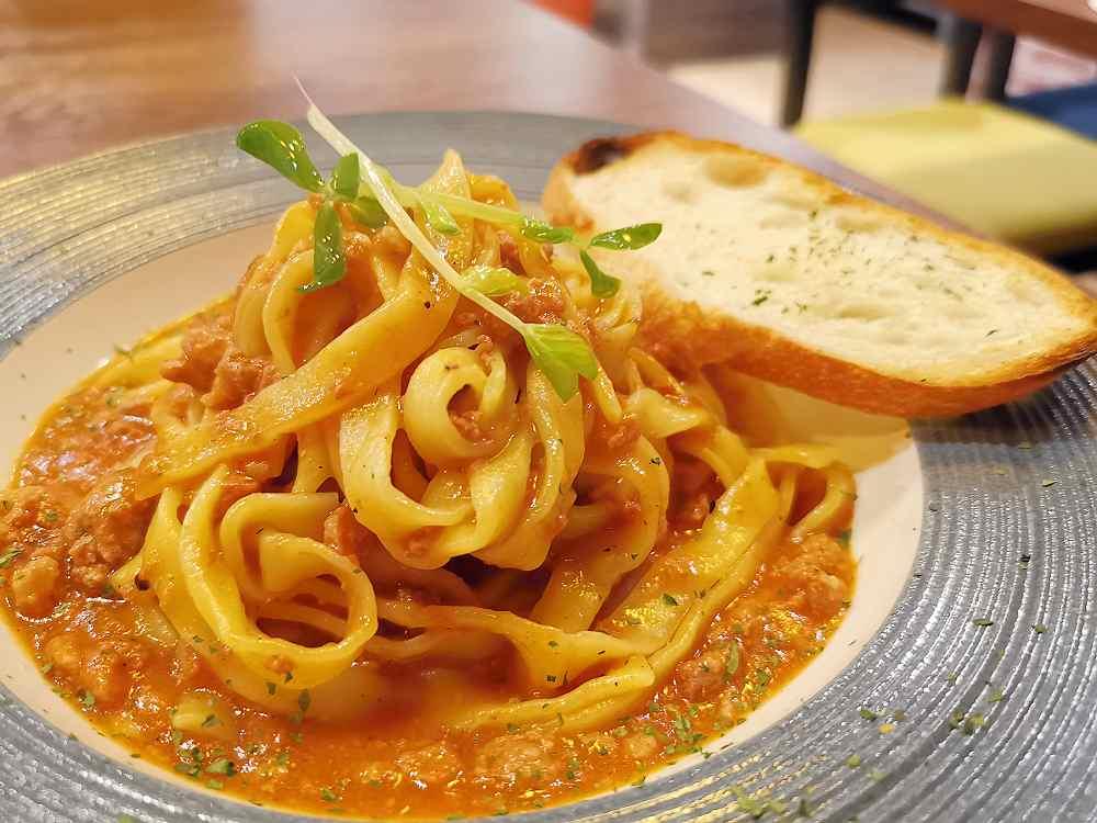 金箍義式坊,PIZZA與義大利麵都美味,服務細心、環境優,GOOGLE評價高 @我眼睛所看見的世界(Fly's Blog)